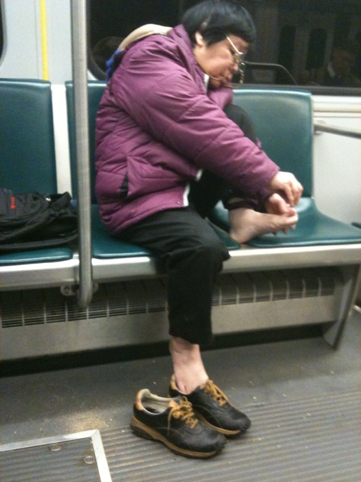 clipping-toenails-subway